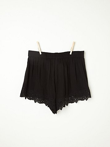 Cutwork Tap Short