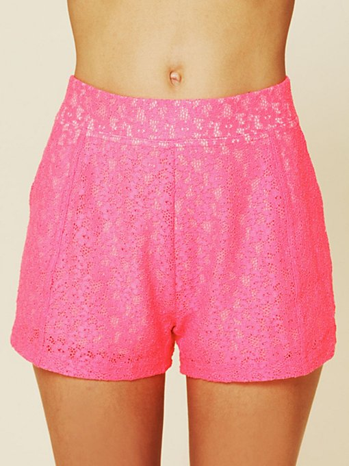 Highwaisted Lace Shorts
