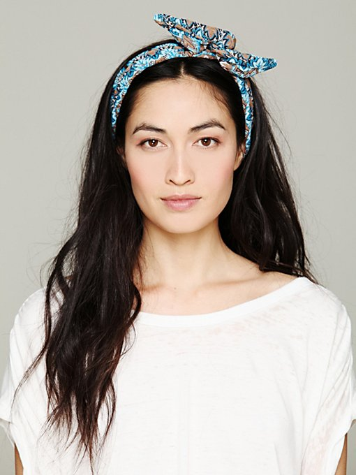 Free People Printed Wire Tie in Knitted-Headbands
