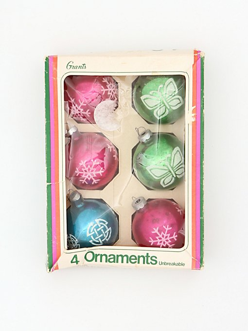 Vintage Set of Assorted Ornaments in vintage-loves-objects