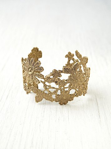 Alkemie Lace Cuff