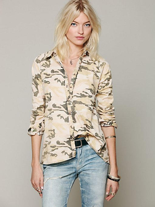 Artisan De Luxe Camo Buttondown Hi Low Top in Button-Down-Shirts