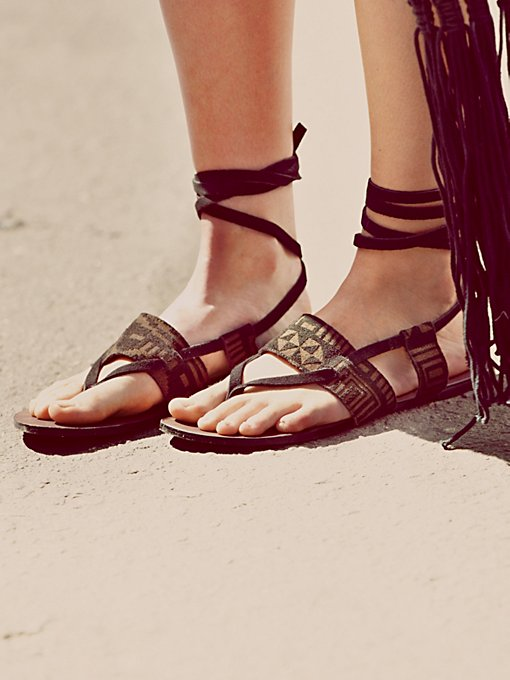 Lyla Sandal in endless-summer-shoes