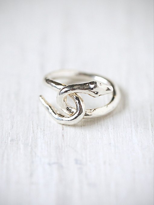 e.m. noir Silver Snake Ring in jewelry