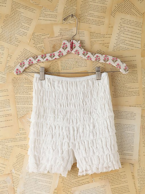 Free People Vintage White Lace Ruffled Bloomers in vintage-skirts