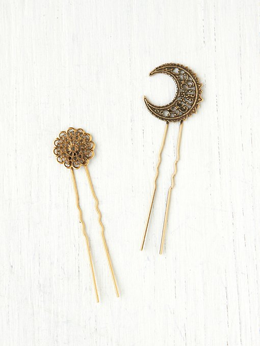 Free People 2 Bun Picks in Hair-Accessories