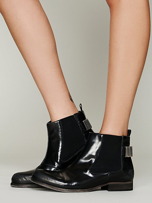 Castillo Chelsea Boot in shoes-boots-ankle-boots