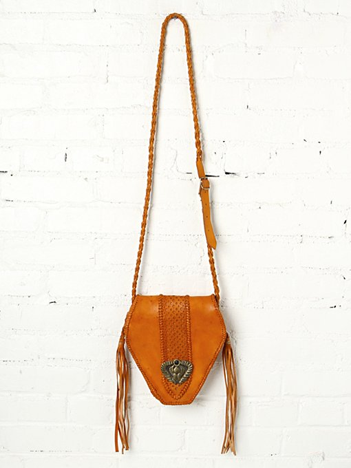 Pacaya Crossbody in accessories-bags